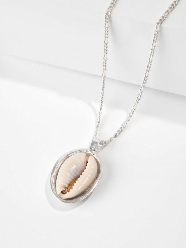 LOVER'S BEACH pendant